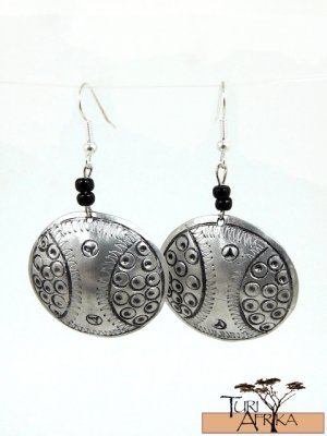 Product ID: 132     Etched Medium Aluminum Disk  Earrings W 2 Black Beads