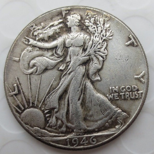 1946-p Walking Liberty Half Dollar COIN COPY