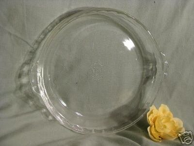 PYREX FLUTED PIE DISH 9 1/2 INCHES NICE! K258