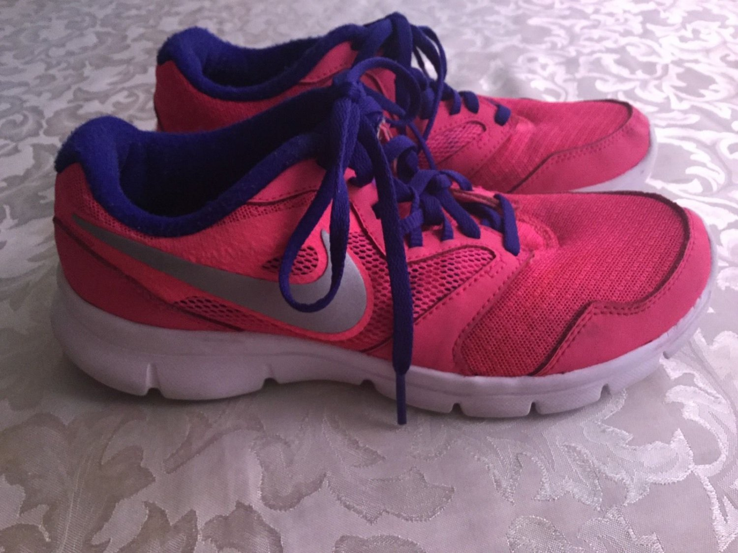Girls Nike shoes Size 5 Flex Experience RN 3 Pink blue sports athletic running