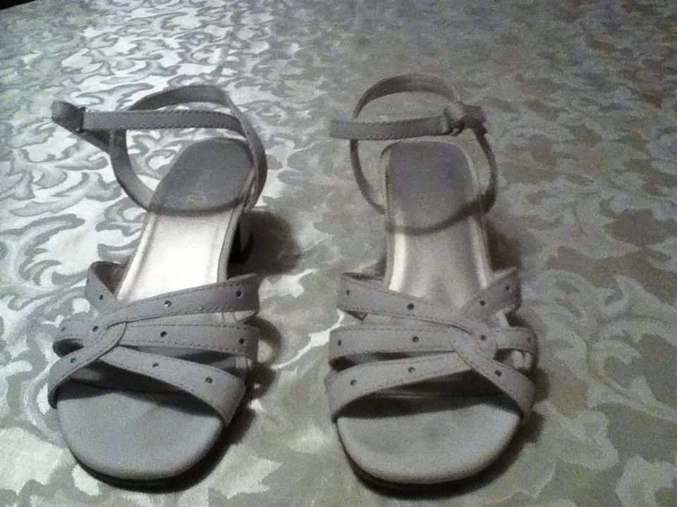 Girls Size 1 Smart fit shoes  white dress shoes sandals rhinestones summer