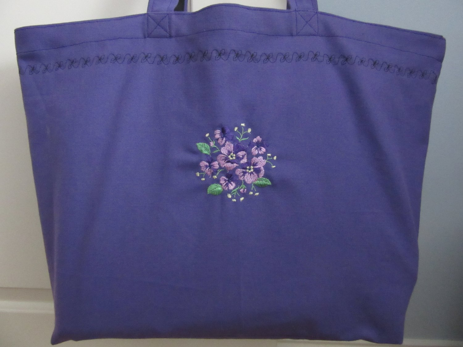 NEW Lg Purple Embroidered Violets Folding Eco Friendly Tote Bag with Cell Phone Pocket