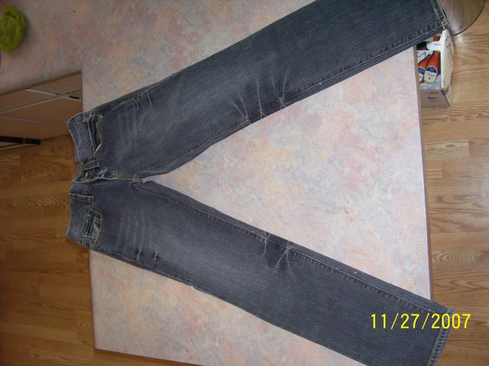 """OLD NAVY """"Special Edition"""" Skinny Jeans! Size 4"""