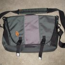 Timbuk 2 Computer Laptop Carrying Bag DIF10 Green/ Gray