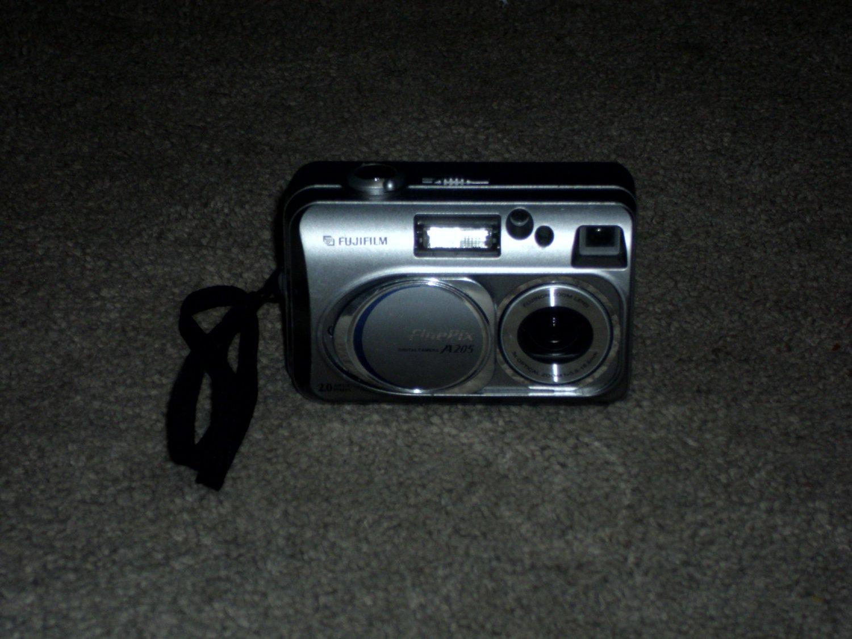 Fuji Film FinePix A205 Digital Camera