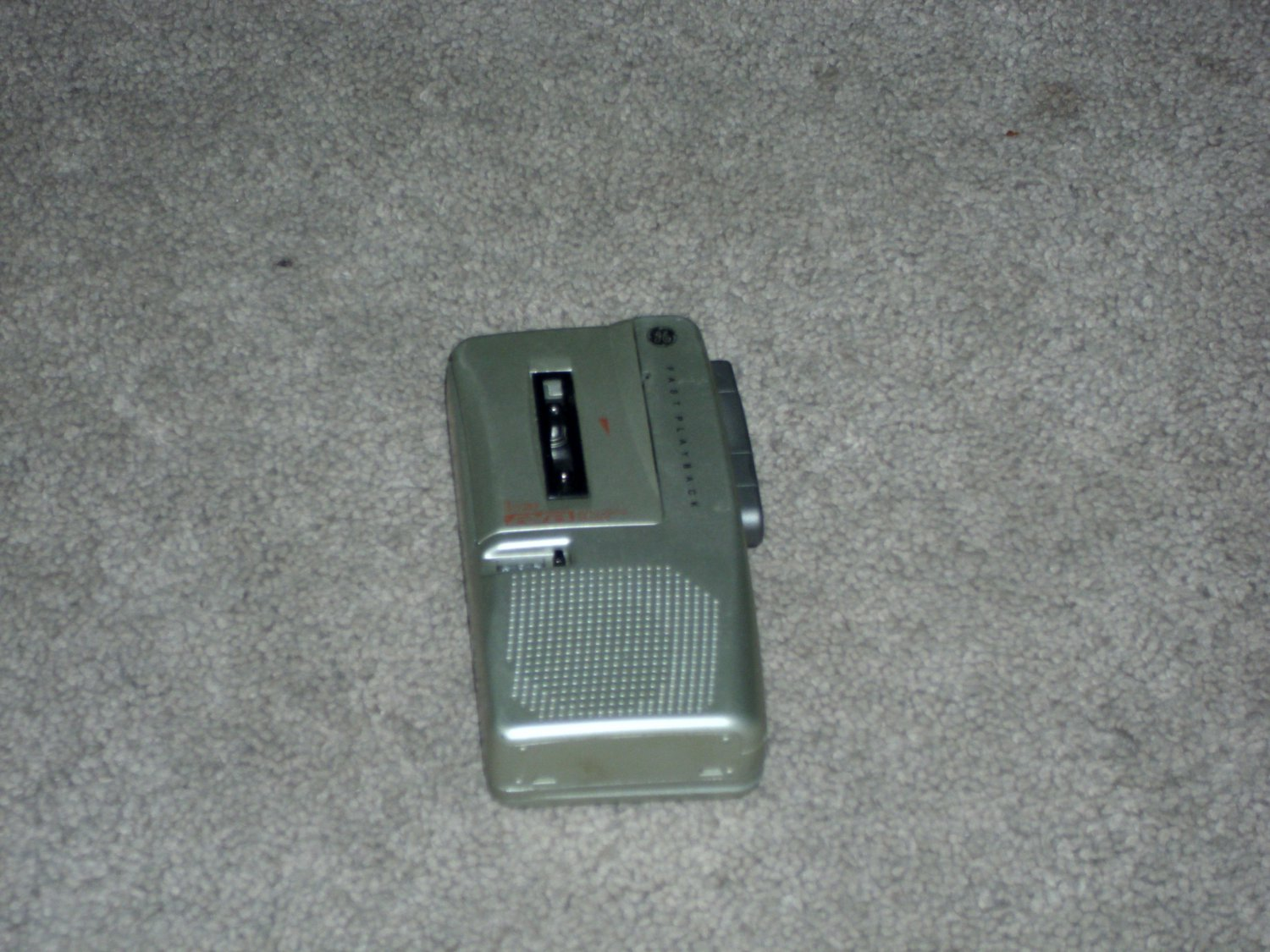 GE 3-5383A Microcassette Player