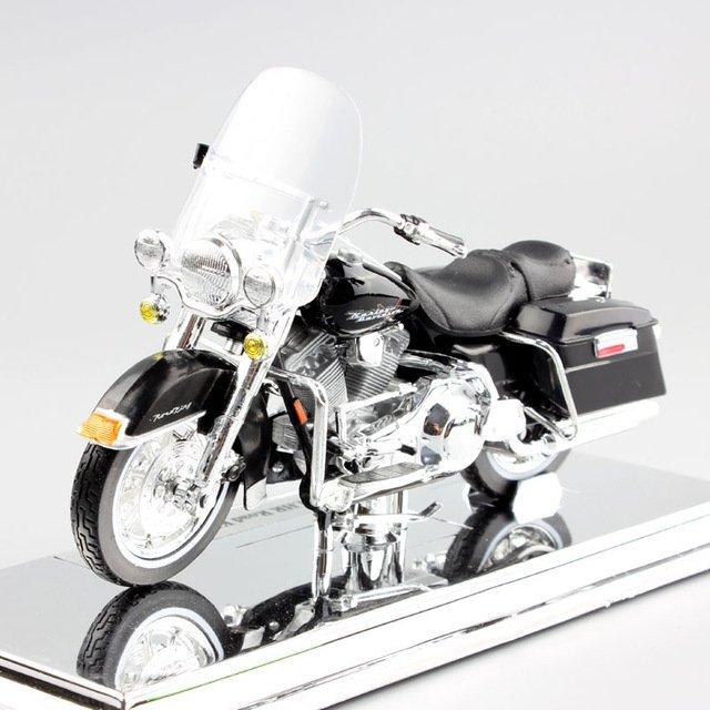 Harley 1999 FLHR Road King 1:18 Die Cast Metal Motorcycle Model