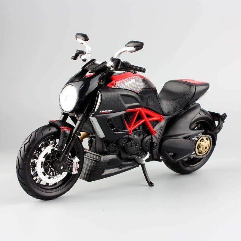 Ducati Diavel Cruiser  1:12 Die Cast Metal Motorcycle Model Miniature