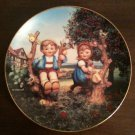 "MJ Hummel ""Apple Tree Boy & Girl"" Collector Plate Little Companions Plate #M902"