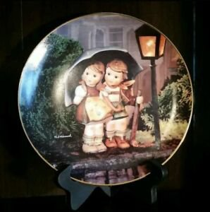 """M. I. HUMMEL """"Stormy Weather"""" Little Companions DANBURY MINT Plate Collection"""