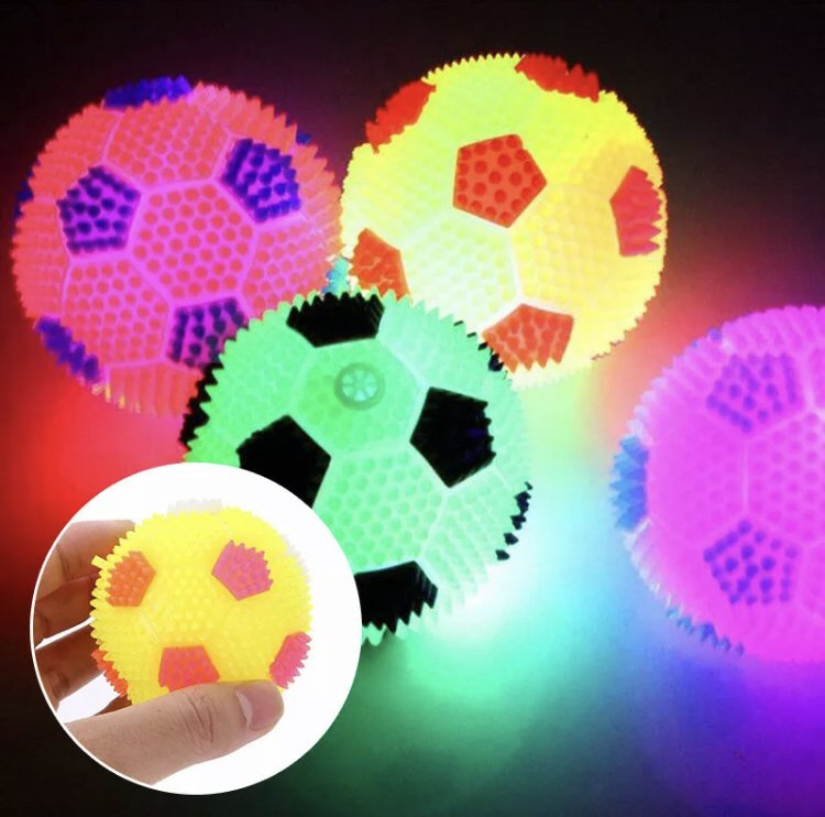 Pet Flashing Bouncy Ball Puppy Dog Game Fetch Play Bouncing Hedgehog Soccer Ball 6.5cm Toy