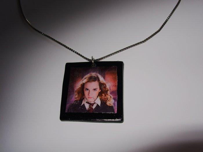 Herimone pendant necklace