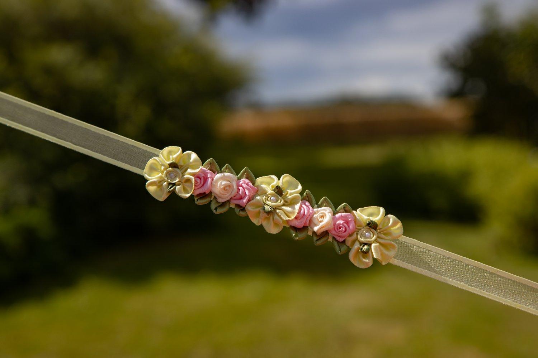 Yellow/pink bunwrap