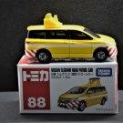Takara Tomy Tomica #88 Nissan Elgrand Road Patrol Car Diecast Model Car Scale 1:64