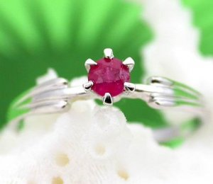 Brand 'LIYING'  Fashion 925 Sterling Silver Ring with Nature Ruby