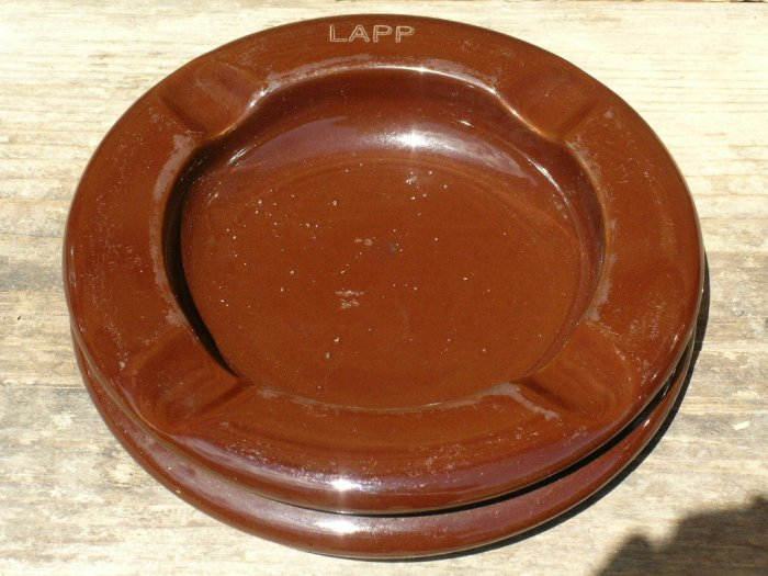 LAPP Insulator Ashtray Chocolate Brown Station Post style go-with