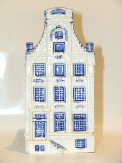 Delft Blue Blauw Amsterdam canal house multi story pot porcelain glazed Holland Netherlands