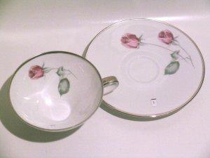 american beauty rose fine porcelain hutschenreuther bavaria selb germany 1 teacup saucer pasco. Black Bedroom Furniture Sets. Home Design Ideas