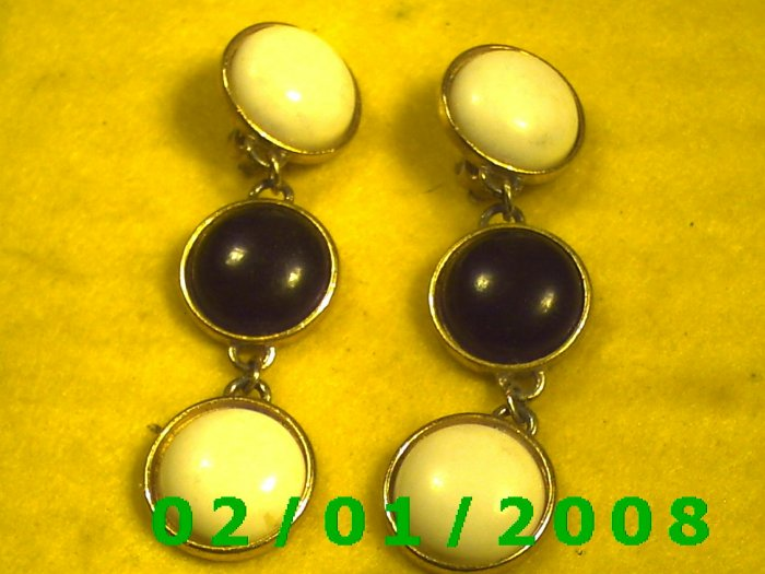 Gold w/Black n White Buttons Clip On Earrings