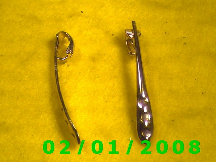 Gold Shaft Clip On Earrings