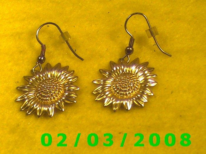 Gold Flower  Pierced Earrings