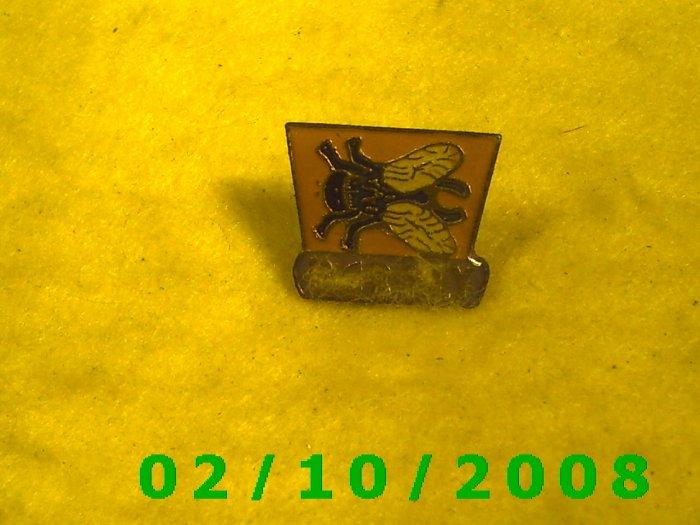 Bar Fly Hat Pin
