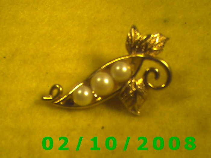 Floral Gold n Pearls Hat Pin