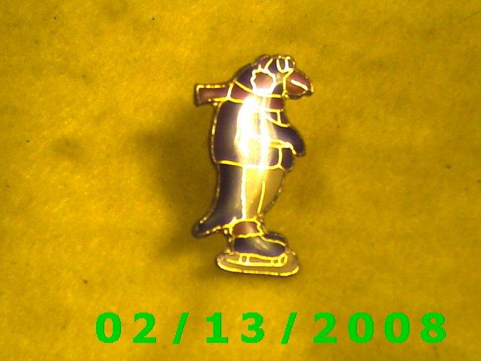 Penquin on Ice Skates Hat Pin