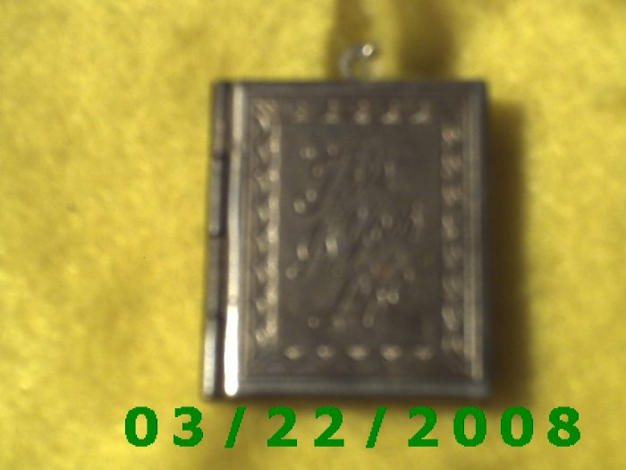 """15/16 x 1 1/16"""" Gold Picture Locket Charm w/This Is Your Life(R053)(R054)"""