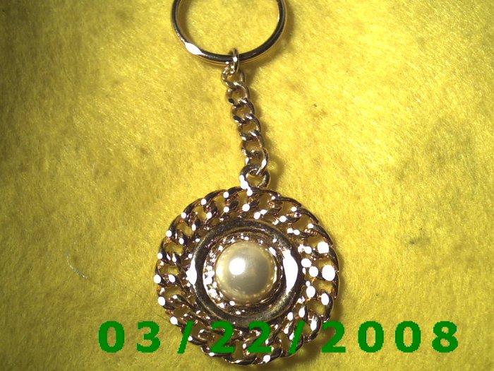 "1 3/4 x 4 1/4"" Gold Key Ring w/Pearl  (R004)"