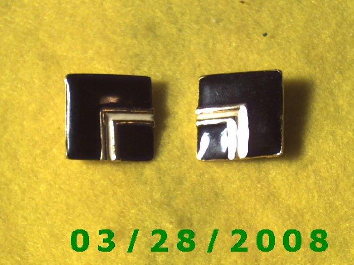 Black n White Earrings, clip on  (050)