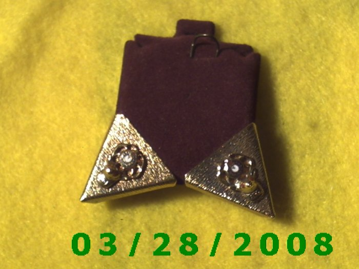 Gold Collar Points  (007)