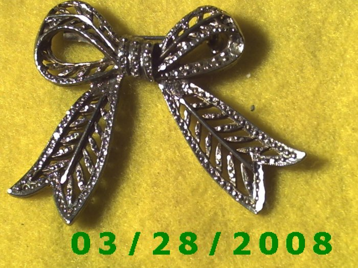 Filigree Bow Tie Pin   (032)