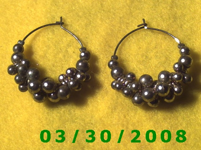 Silver Bead Cluster Pierced Earrings  (039)