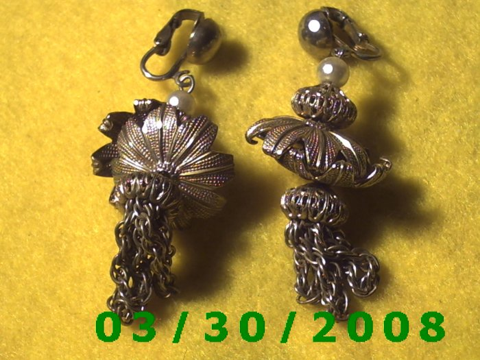 Gold Clip On Earrings w/tassle  (020)
