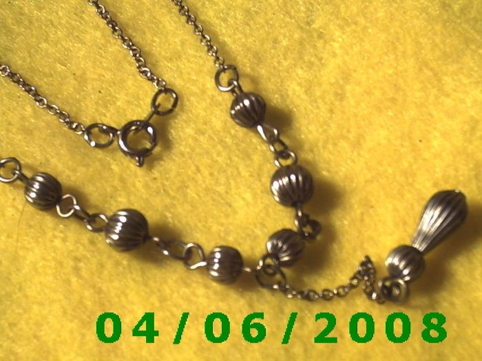 Silver Necklace w/Charm     E5037