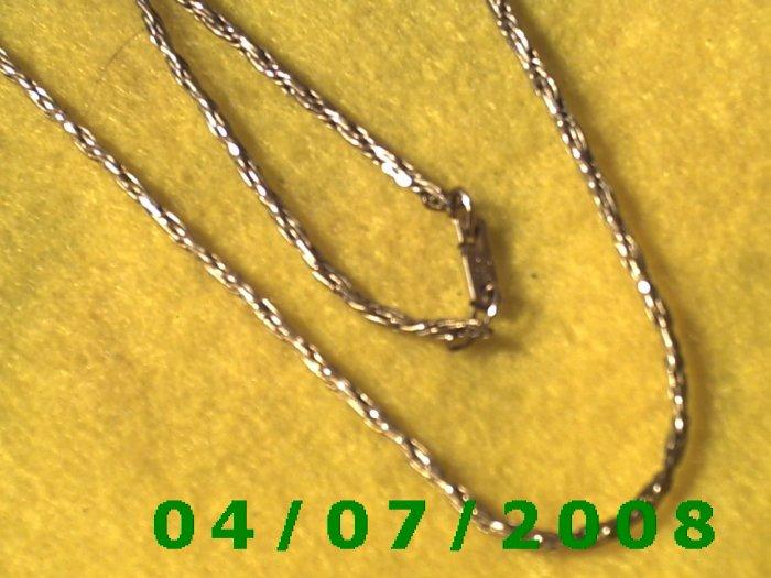 Gold Necklace    E5047