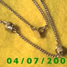 Gold Necklace w/Knots     E6010