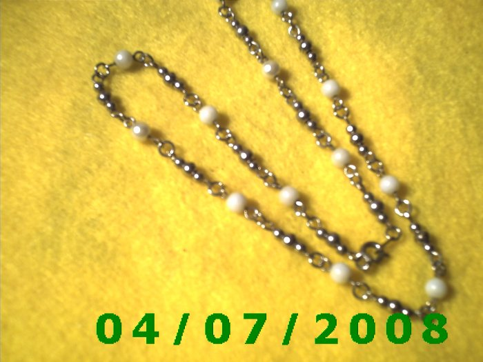 Silver Necklace w/Beads     E6015