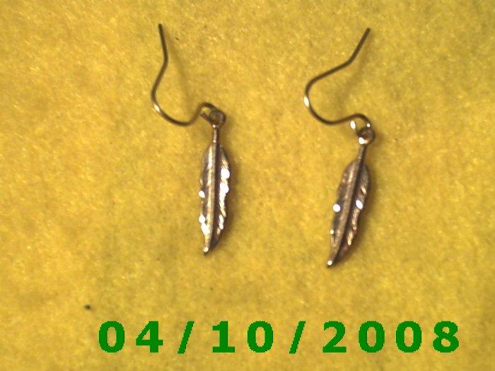 Gold Feather Pierced Earrings    Q005