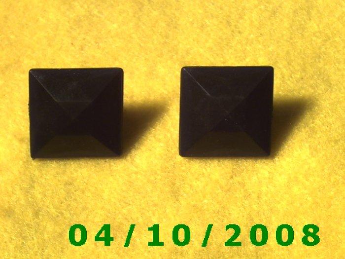 Square Black Pierced Earrings     Q006