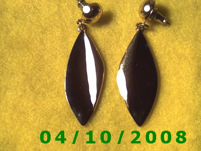 Gold and Black Pierced Earrings     Q010