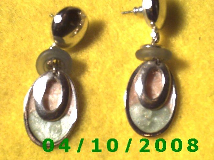 Silver Pierced Earrings     Q013