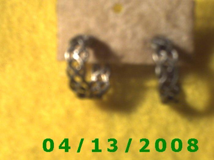 Hoop Silver Pierced Earrings         Q2013