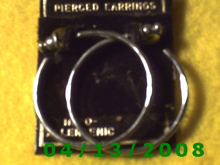 Hoop Silver Pierced Earrings       Q2021