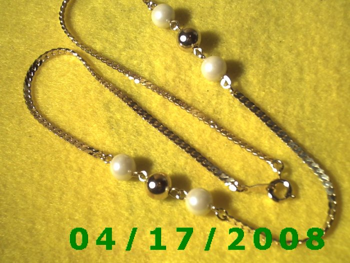 xGold Necklace w/ Gold and White Beads    EI004