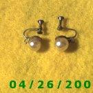 Pearl Screwback Earrings       094