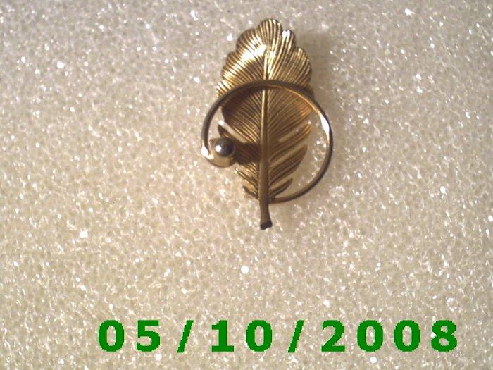 Gold Leaf Pin  A078
