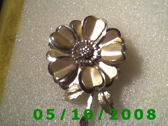 Silver Flower Pin    A091