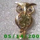 Gold Owl Pin    B029